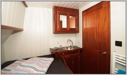 Aaltje Engelina Cabin with double bed
